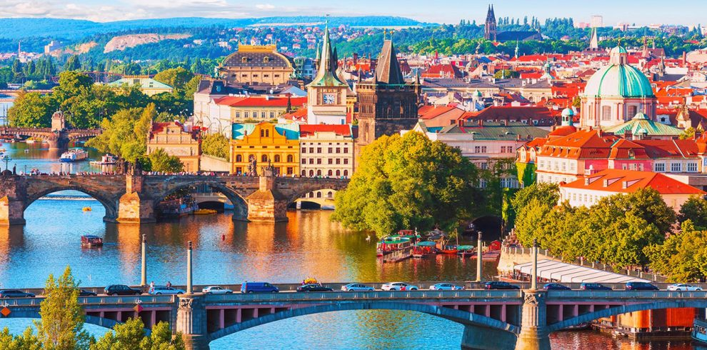 czech-republic-prague-old-town-and-vltava-river-1280×720